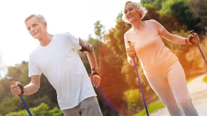 5 Simple Exercises to Warm Up for Spring Walks