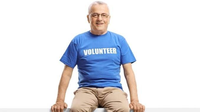 Mature man volunteer