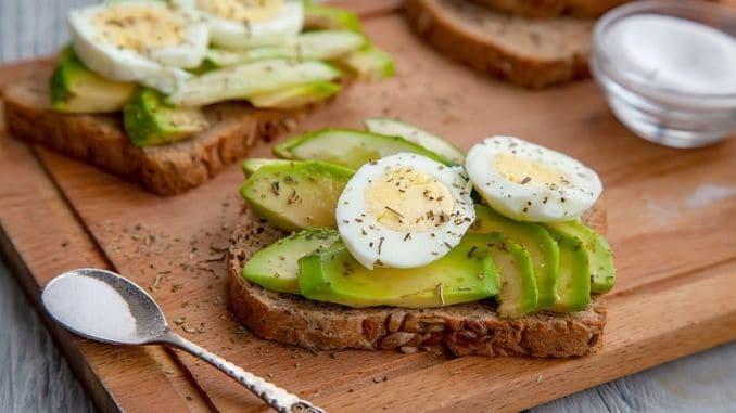 sliced ripe avocado sandwiches