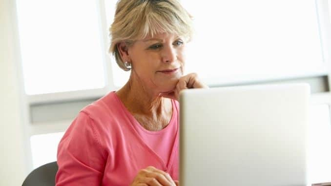 mature-student-using-computer